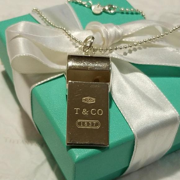 f7c1c553d41e T Co whistle pendant necklace. M 5af7a3a23b1608152994ac48
